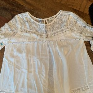 UMGEE Lace Open Back Blouse